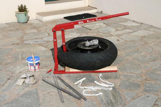 demonte pneu scooter