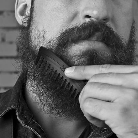 barbe qui frise